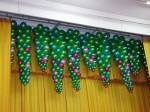 украшение шарами сцены сосульки из надувных шаров