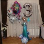 шарики из фольги тема Фроузен, снеговик Олаф 200грн, круг 90грн, зеркало Анна и Эльза 240грн, ходячая фигура принцесса Эльза 1150грн