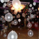 украшение зала шарами, гелевые шарики, воздушные шарики