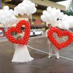 сердце из воздушных шаров с гелиевыми шарами