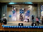 3 оформление шарами сцены на Новый год