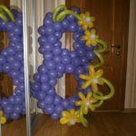 сиреневая цифра 8 из воздушных шаров, высота 120см, 250грн/шт.