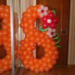 оранжевая цифра 8 из воздушных шаров, высота 120см, 250грн/шт.