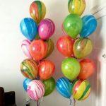 шарики с мраморным рисунком, размер 27,5см, цена 45грн/шт.