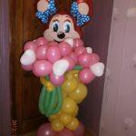фигура из воздушных шаров Лолли, с букетом цветов из шариков