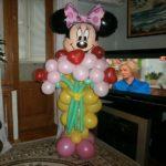 фигура из шаров Минни с букетом цветов, 400грн./шт.
