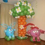фигуры из воздушных шаров, Дерево с цветами, смешарики свинка Нюша, зайчик Крош, 500грн/шт.
