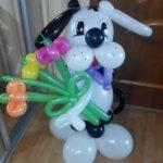фигура из шариков собака далматинец с букетом цветов, 400грн/шт.